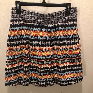 Dresses & Skirts - Skirt with geometric pattern. ~ knee length. Lined